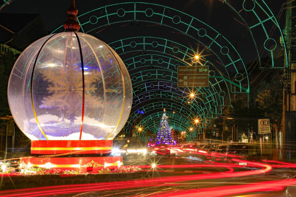 Decoracao Noturna do Natal Luz de Gramado
